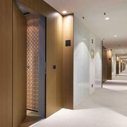 Hampton Inn Sliding Bathroom Door
