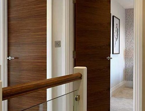 Commercial Walnut Veneer Solid Core Flush Wooden Door for Hotel