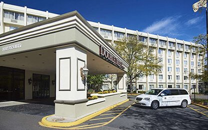 DoubleTree-Door-by-Hilton-Hotel-Newark